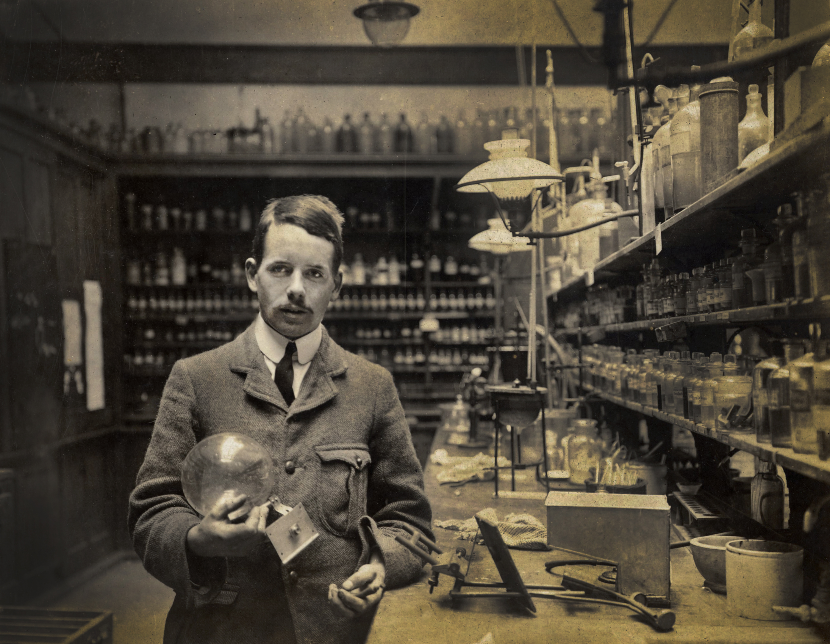 Henry moseley a scientist lost to war defence science 18874 moseleylaboratory ki 1 gamestrikefo Image collections